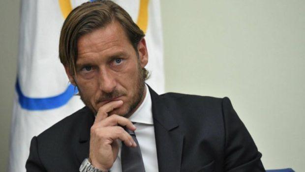 Totti renunció a su cargo como directivo de la Roma