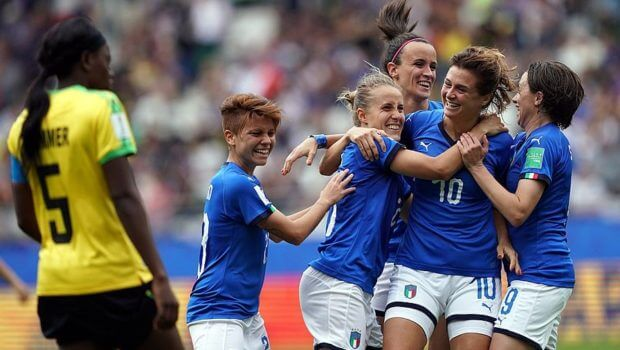 Italia clasificó a Octavos en el Mundial Femenil tras golear a Jamaica